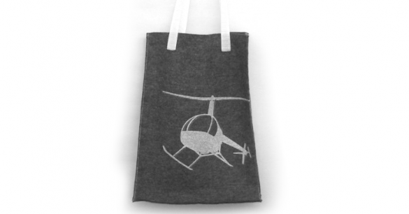 <figcaption>silkscreen printed helicopter on a ok.good felt bag</figcaption>